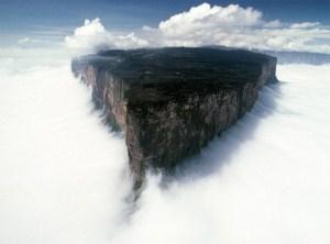 rorajma-gora-v-yuzhnoj-amerike