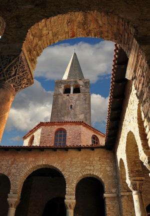 Евфразиева базилика, колокольня