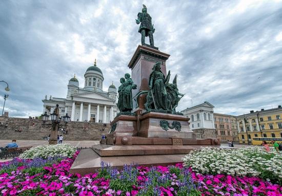 Площадь сената в Хельсинки
