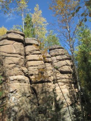 Скалы в Байкальском заповеднике