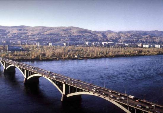 Коммунальный мост в Красноярске, вид сверху