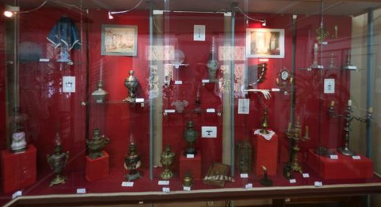 Коллекция металлических изделий