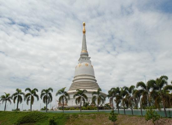 Храм возле Удонтхани